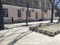 В Приморском районе Одессы ремонтируют внутриквартальный проезд и прилегающие тротуары